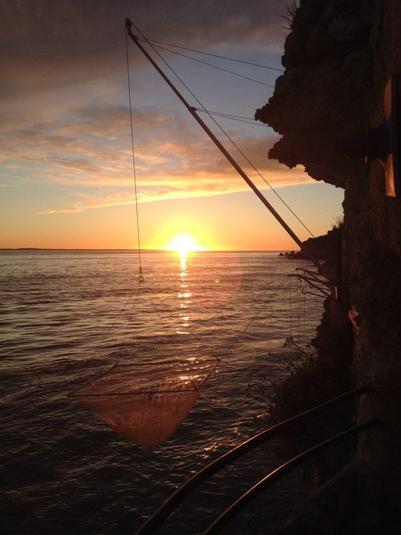 Coucher de soleil depuis les Grottes de Matata